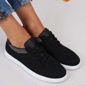 NWOT Blowfish Malibu Womens Sneakers Size 8.5 Black